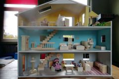 Fertiges Puppenhaus