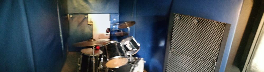Einfach ungestört Schlagzeug spielen, in unserem Schlagzeugraum kein Problem.